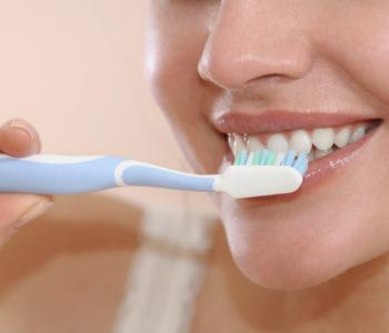 Women brush your teeth